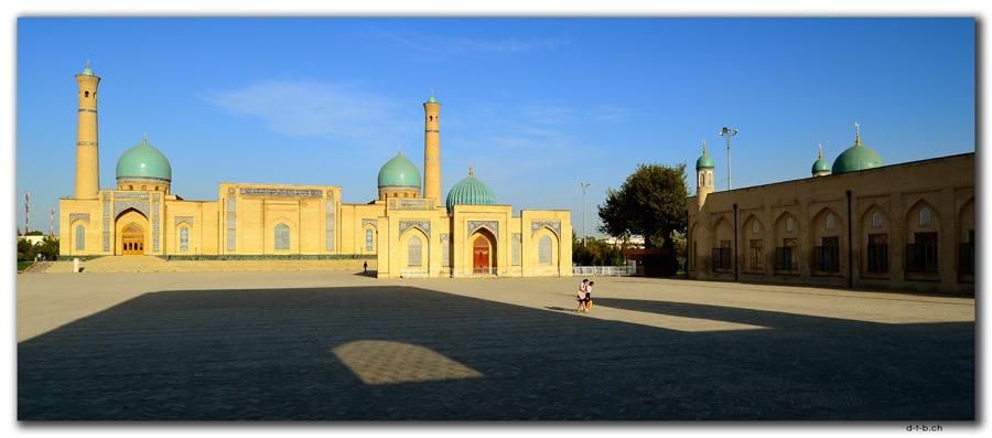 UZ0172.Tashkent.Khast Imom Square