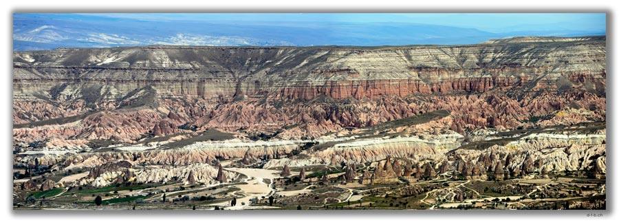 TR0726.Uchisar.Aussicht auf Göreme, Red Valley