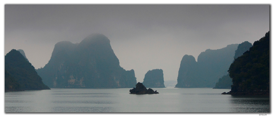 VN0017.Ha Long Bay,