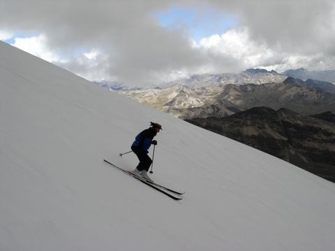 Bolivien, Chacaltaya, High on skis!