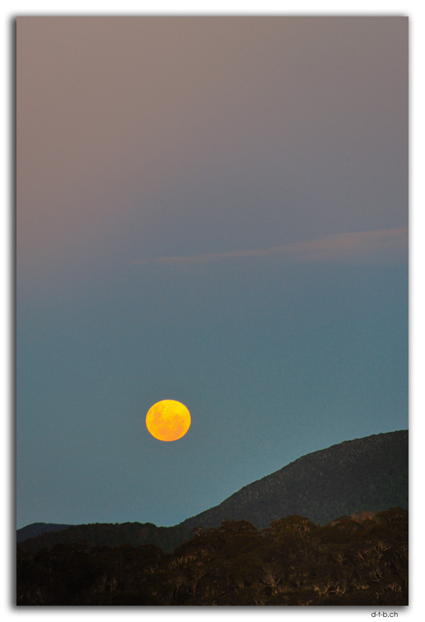 Moonrise at Salisbury Hut