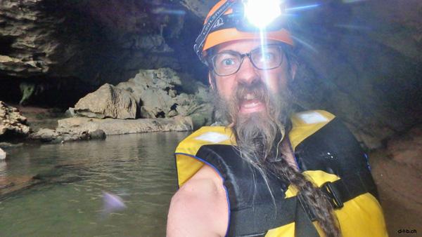 Vietnam. Tra Ang Cave