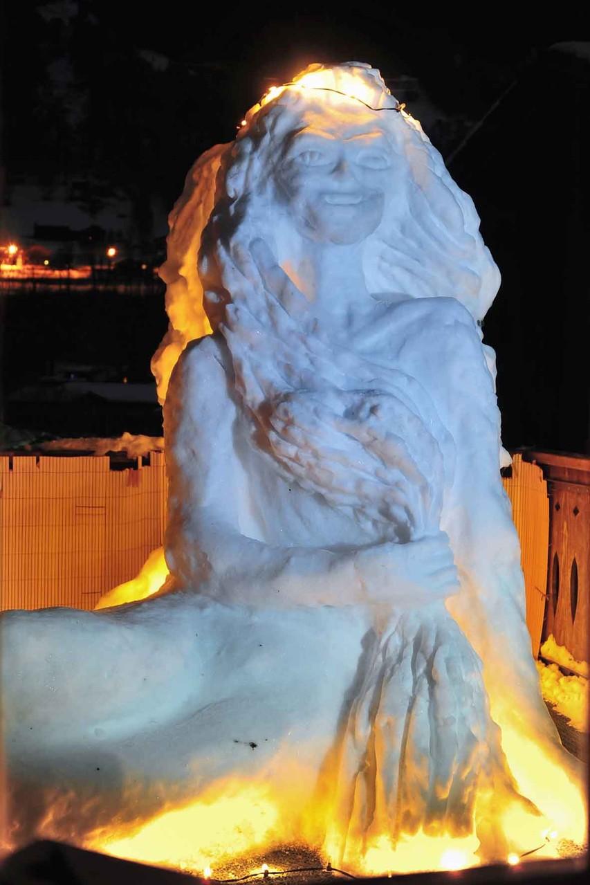 Schnee-Engel beleuchtet / Illuminated  Snow-Angel 2013
