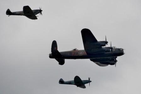 L088 Avro Lancaster + Spitfires