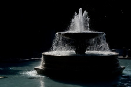 L136 Fountain