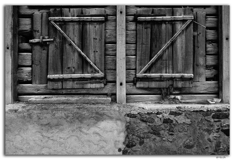 Wooden doors, Grindelwald