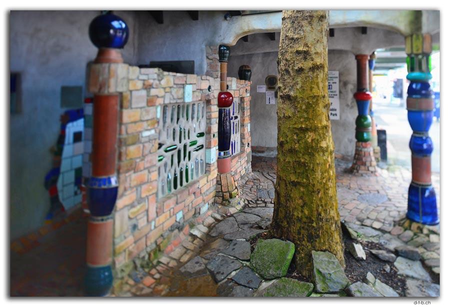 Kawakawa. Hundertwasser Toilette