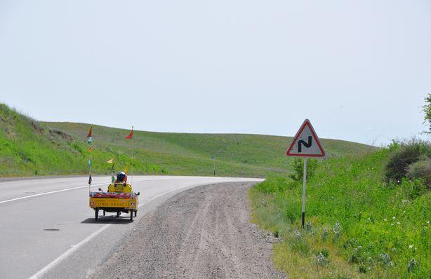 KZ: Solatrike auf kurviger Strasse (Foto: Tobias)