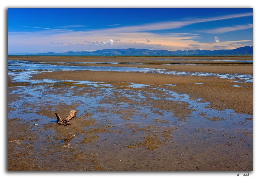 Farewell Spit.Inner Beach