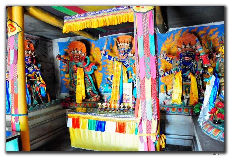 Fratzen im Tempel
