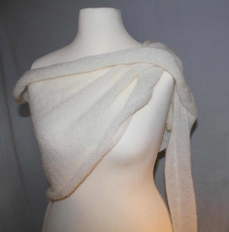 Hochzeitsbolero mit breitem Kragen aus Mohair + Seide