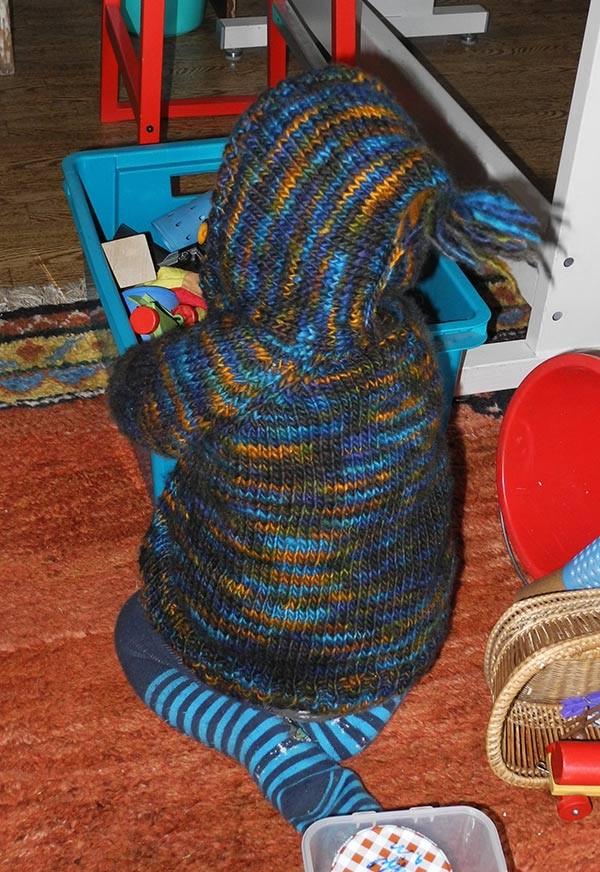 Babyjacke aus Merinowolle aus Peru, handgesponnen vom Mellerschten Schafhof