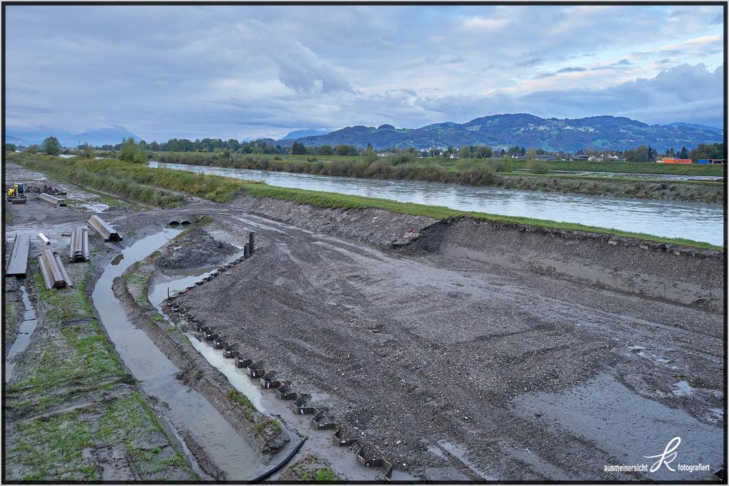 11.10.2020 Baugrube für Brücken Pfeiler, Spundwandverbau
