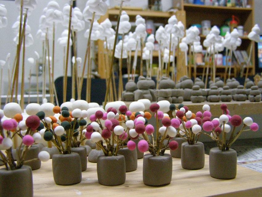 花は別の粘土で加工