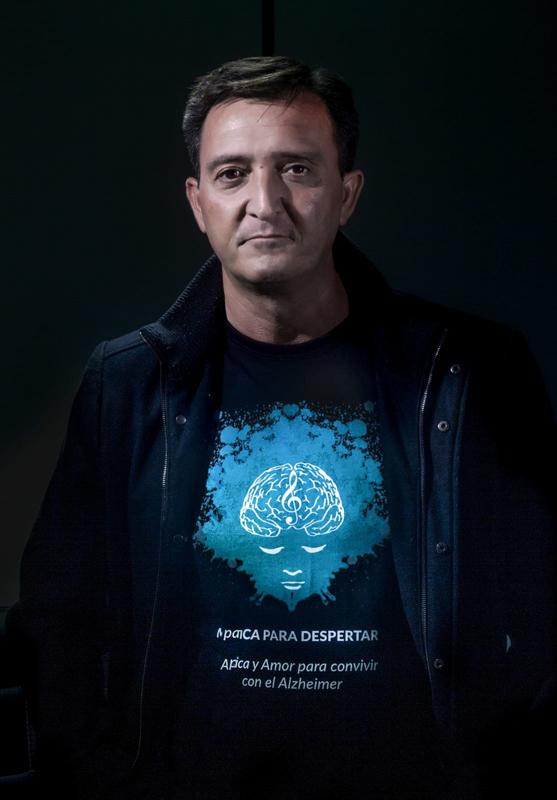 """Jose Ángel Lucena, escritor de """"El Hilo de Ariadna, Proyecto AMA"""" (Niebla ed.)"""