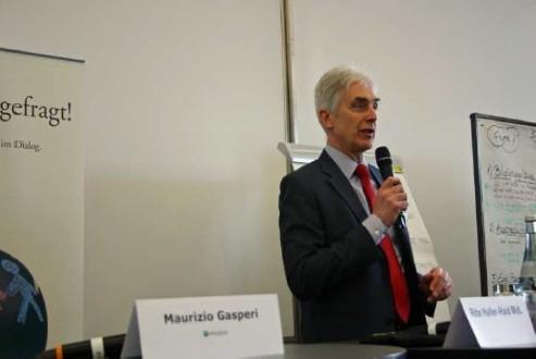 Präsentation der Workshop-Ergebnisse auf der Entwicklungsspolitischen Landeskonferenz in Stuttgart April 2013