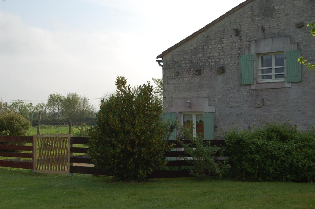 Gîte côté marguerite Sainte Megrine jardin clos