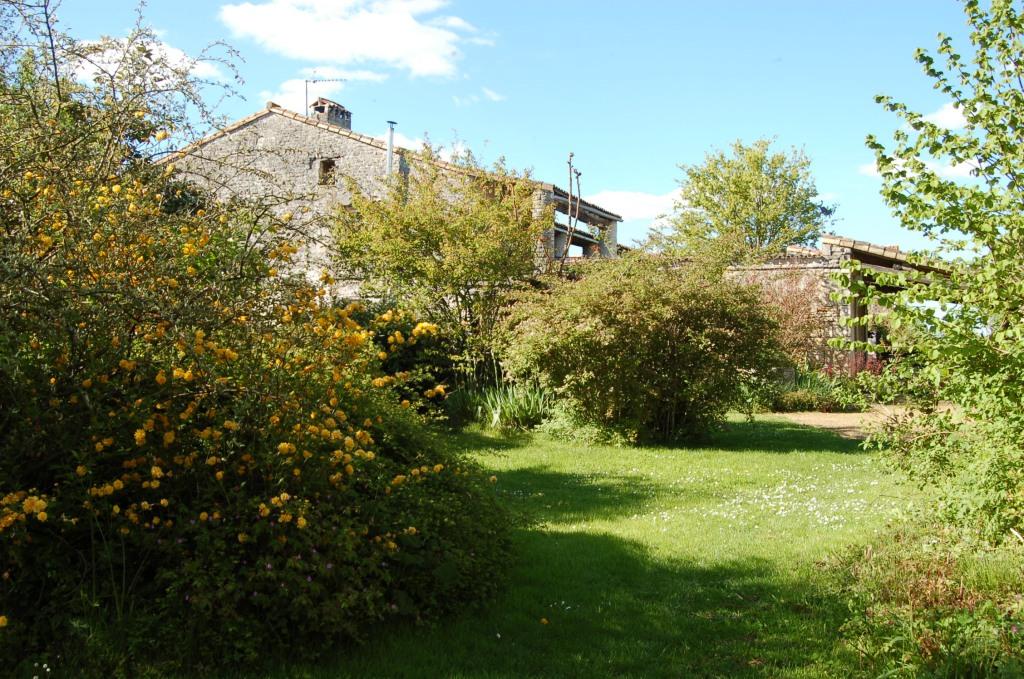 Maison d'hôtes Sainte Megrine Coulon le jardin attenant