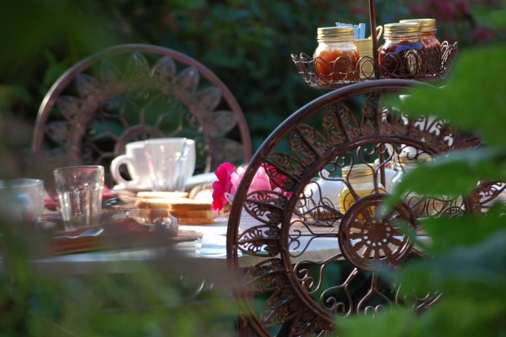 petit déjeuner bio au coeur de la nature chambres d'hôtes de sainte megrine