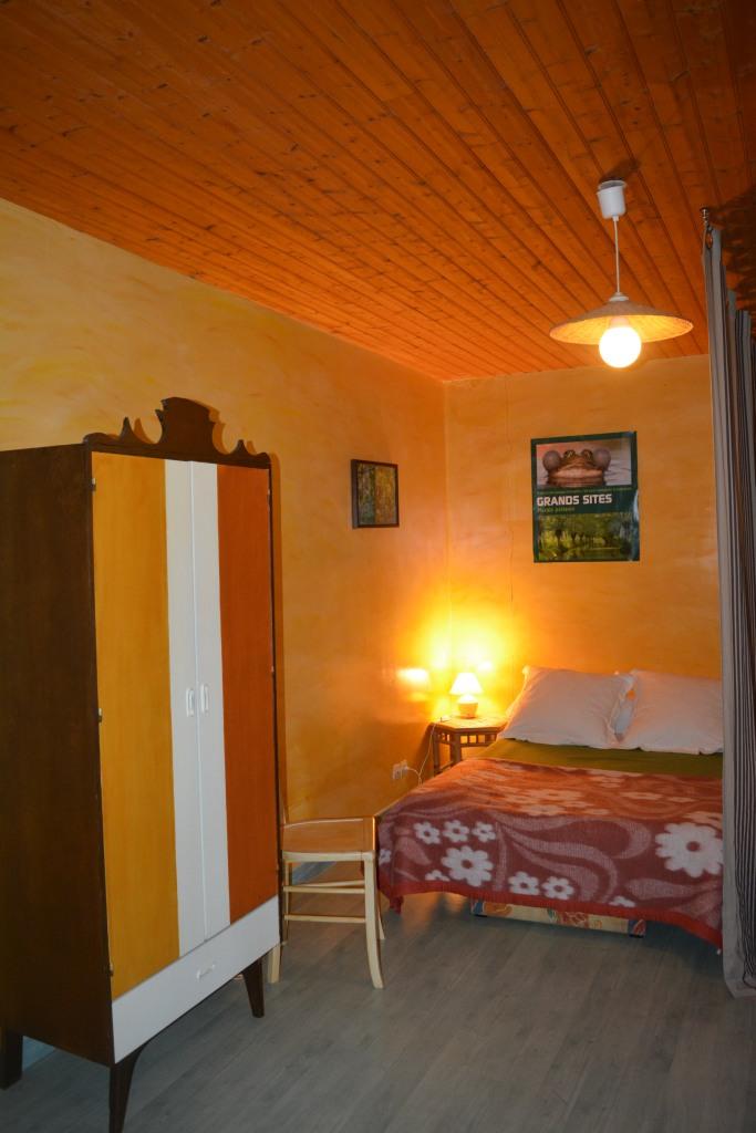 Mezzanine côté marguerite canapé lit.