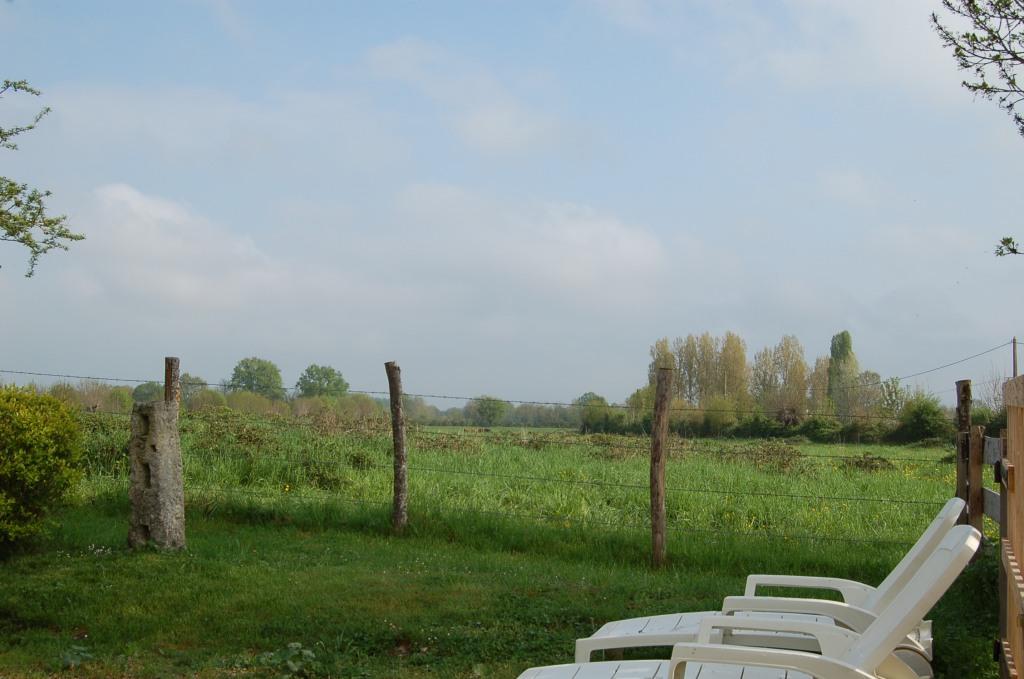 Gîte côté grenouilles Sainte Megrine jardin avec vue imprenable