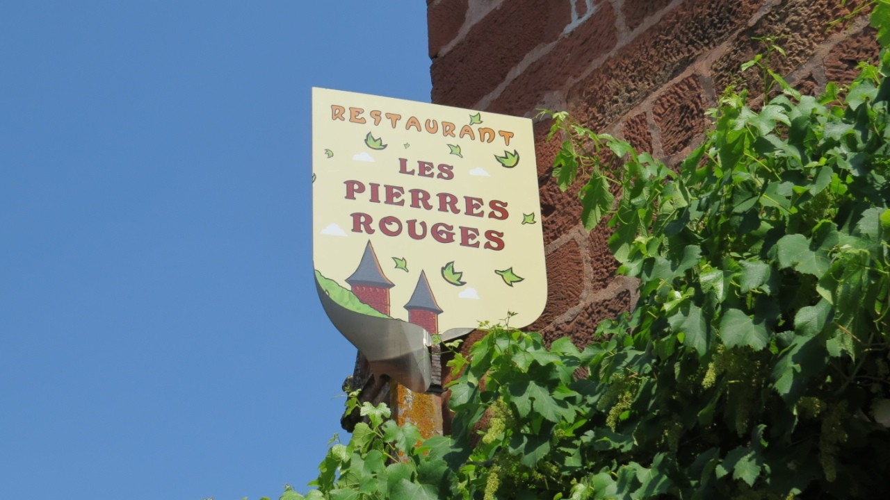 "Restaurant ""Les Pierres Rouges"""