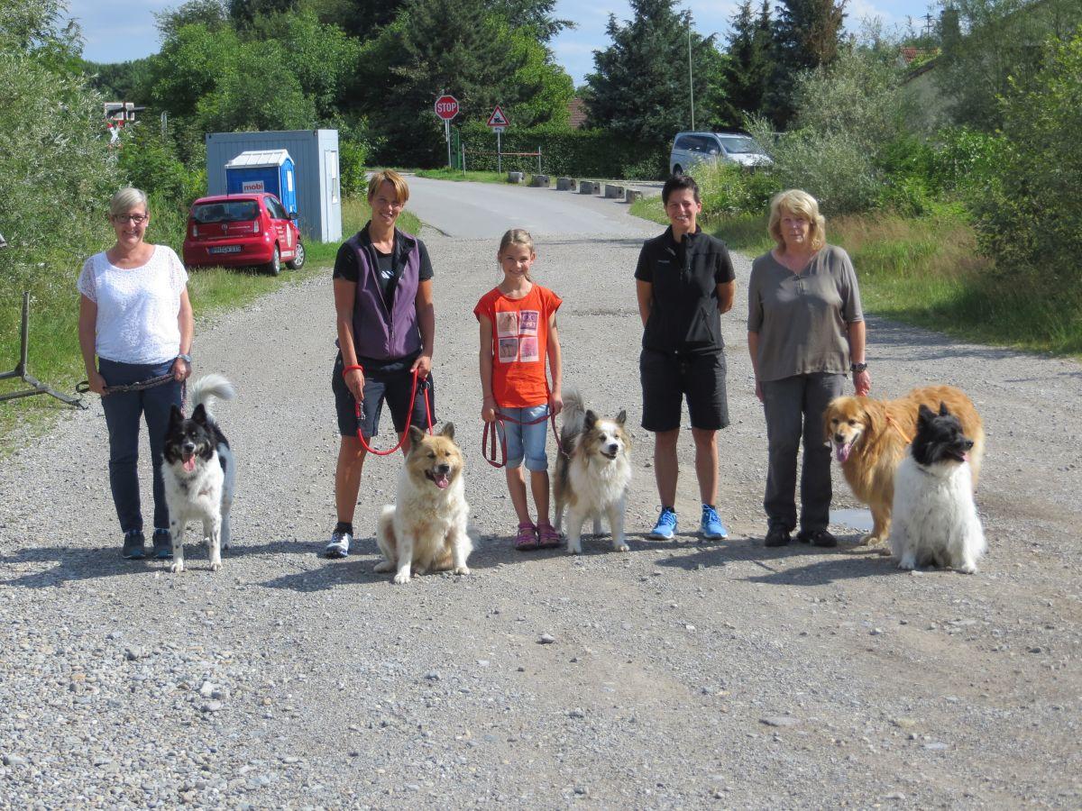 Spaziergang mit meiner Schwester, Mama und weiteren Verwandten