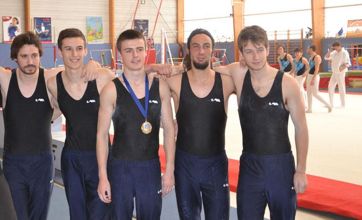 Steven, Sébastien, Gautier, Mathias et Cédric. Plus qu'une simple équipe, une bande de copains...