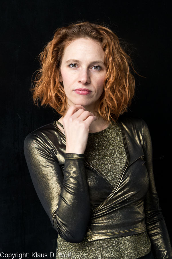 Die gehörlose Tänzerin und Schauspielerin Kassandra Wedel für don bosco magazin