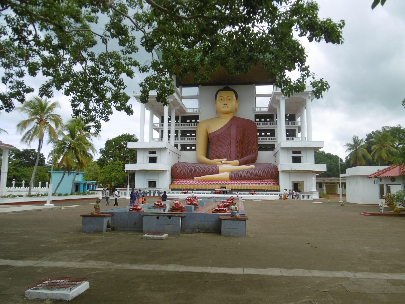 Besuch vom Weherahena Tempel