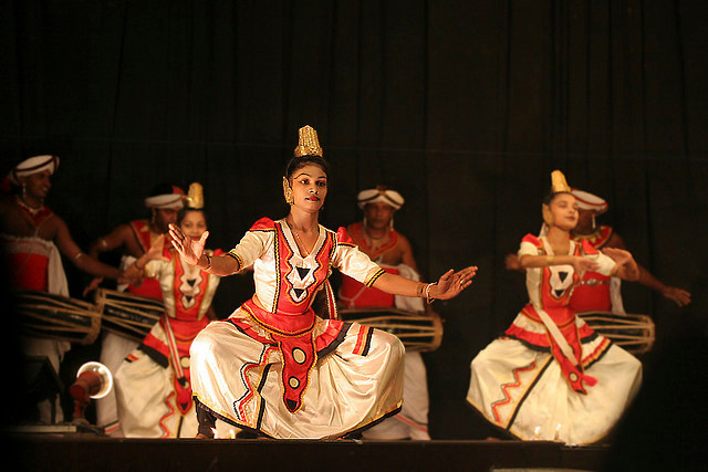 "Traditionelle Tanzperformance der ""Kandy Dancer"""