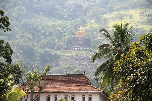 Felsenkloster Aluvihara