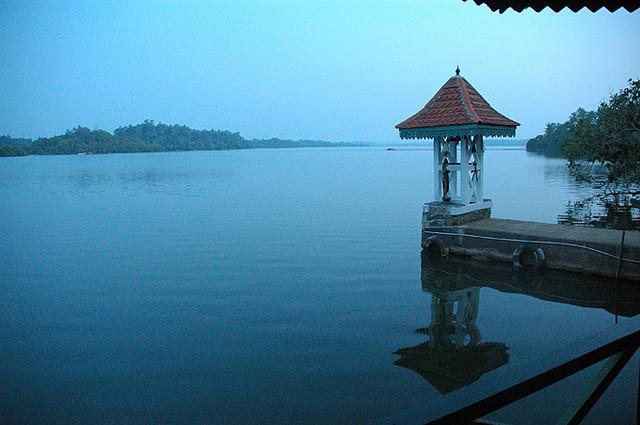 Abenddämmerung auf dem Madu River
