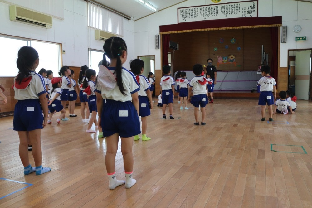 講堂では行事や体操が行われます