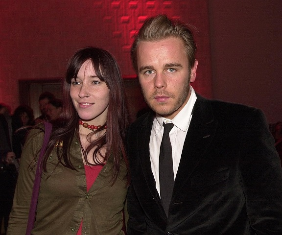 Frank Giering mit Freundin Angela Peltner am Abschlusstag der Berlinale (Februar 2002) / ©picture-alliance / SCHROE' WIG/CS
