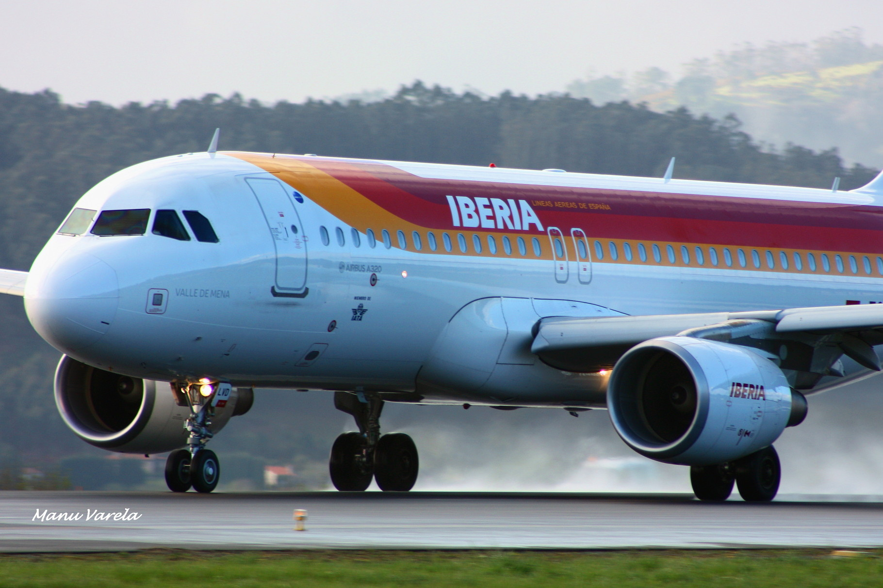 A 320 en carrera despegue 03 LCG