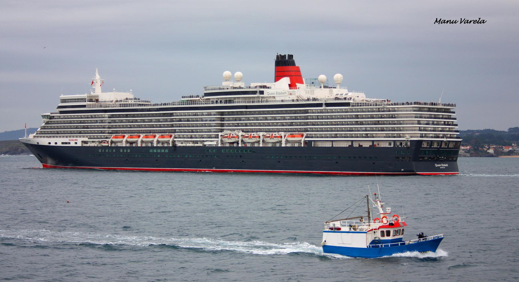 Queen Elisabeth saliendo de La Coruña