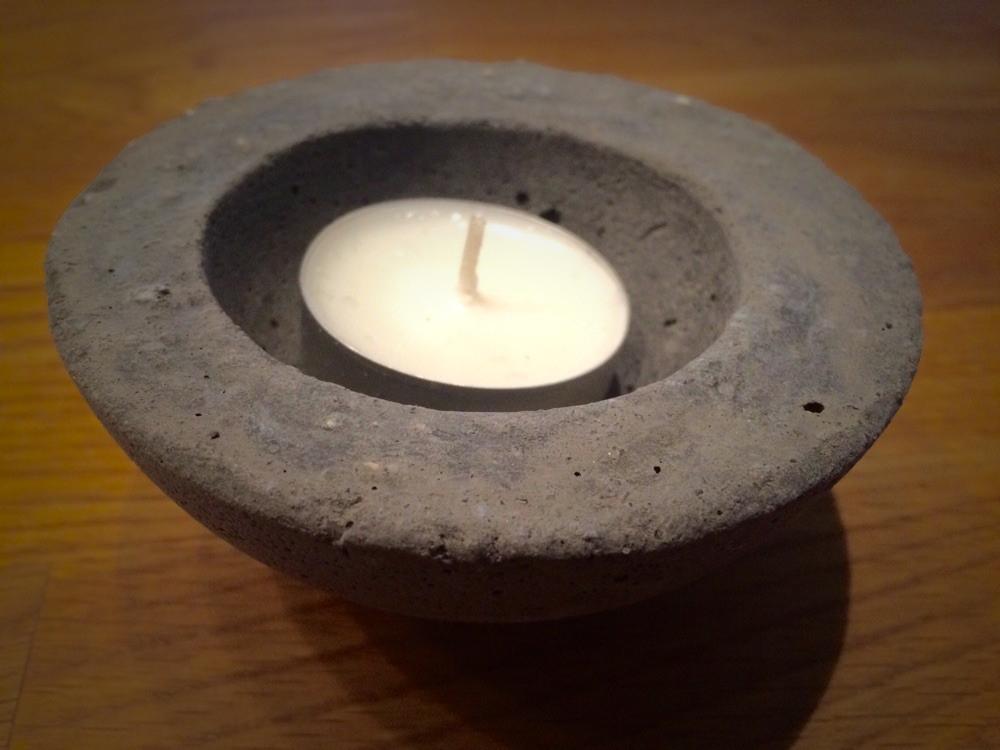 Kerzenhalter aus Beton / candlestick from concrete