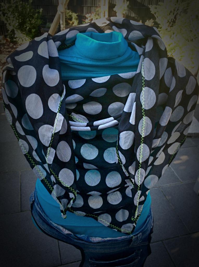 Sommerschal Punkte / summer scarf dots