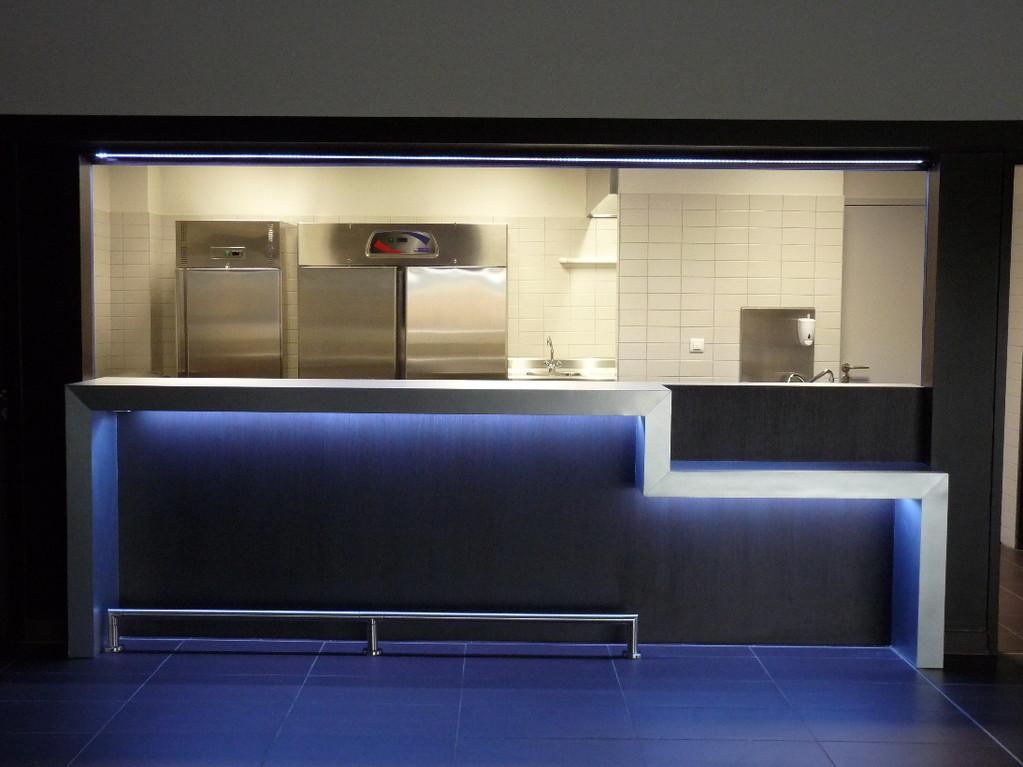 La cuisine et son bar