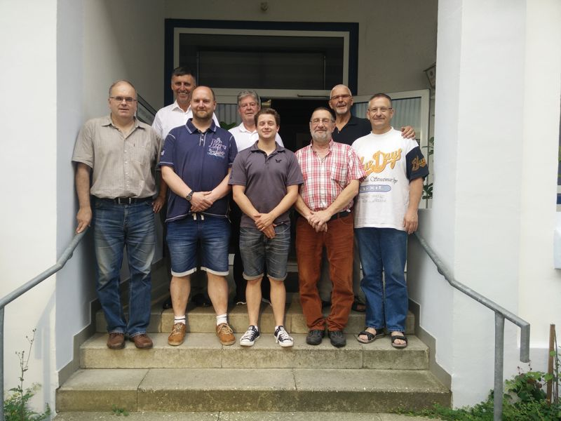 Foto des aktuellen Vorstandes des TTKV Celle (v.l.n.r.)  Helmut Kaufmann, 1.Vorsitzender Wolfgang Schmitz, Sven Harms, Dr. Hans-Karl Haak, Lukas Brinkop, Rolf Büsching, Volkhard Troschke, Axel Wunsch