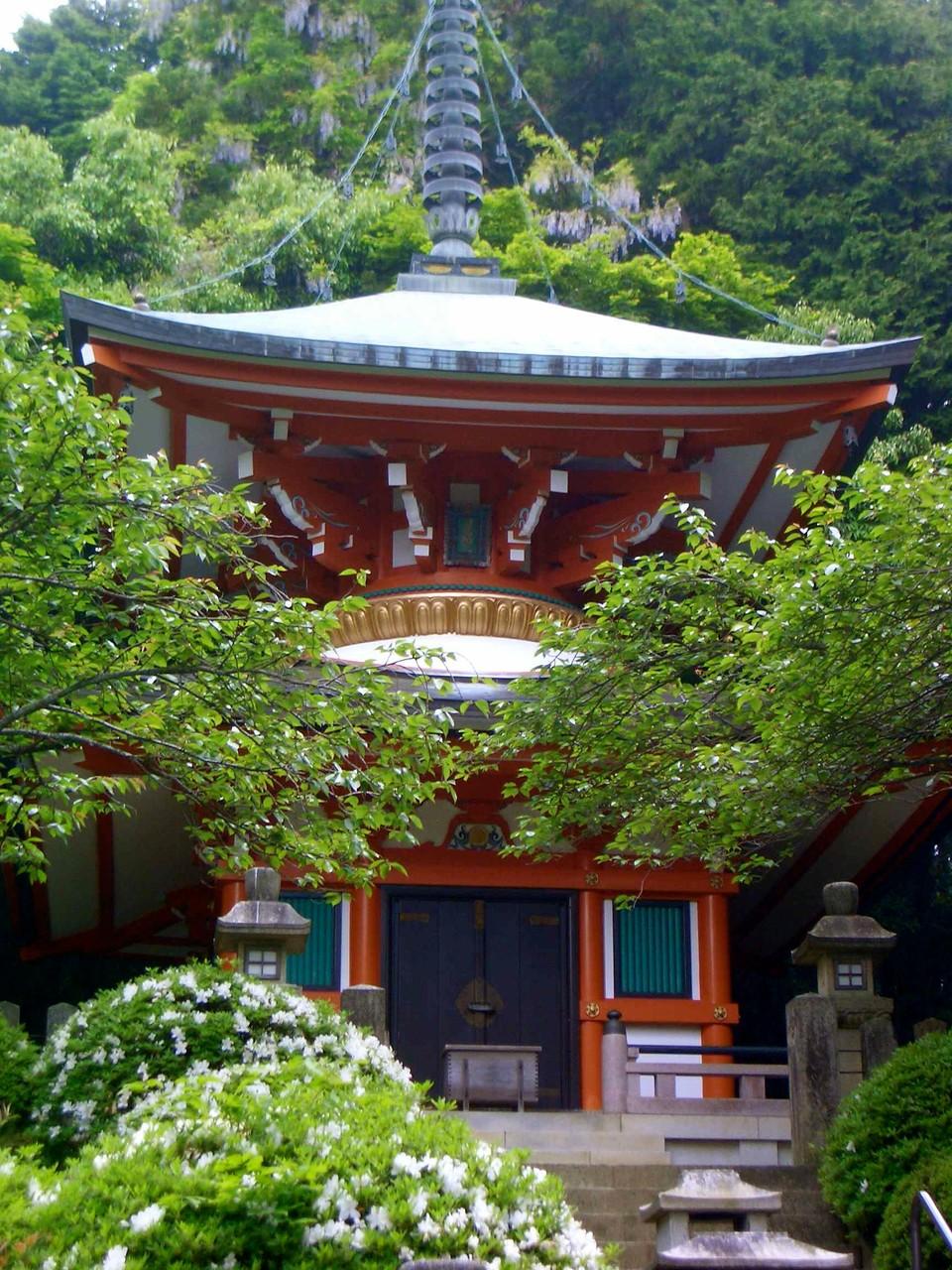 Toho-to,Pagoda