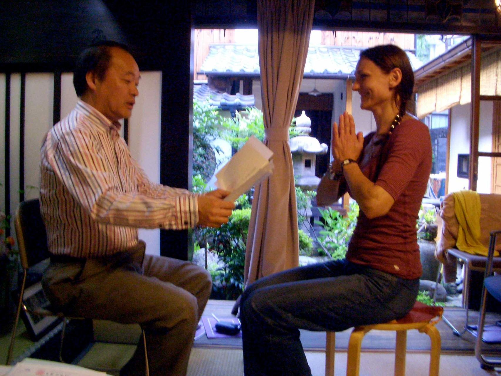 Tatao sensei by handing over Jikiden Reiki Certificate