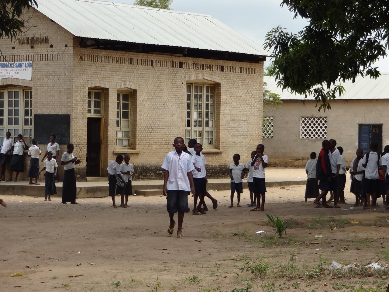 """Schule """"Ecole Saint Louis"""" Muanda"""