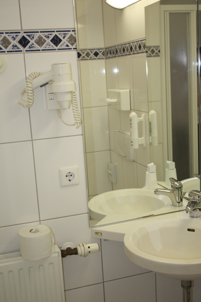 salle de bain / chambre simple
