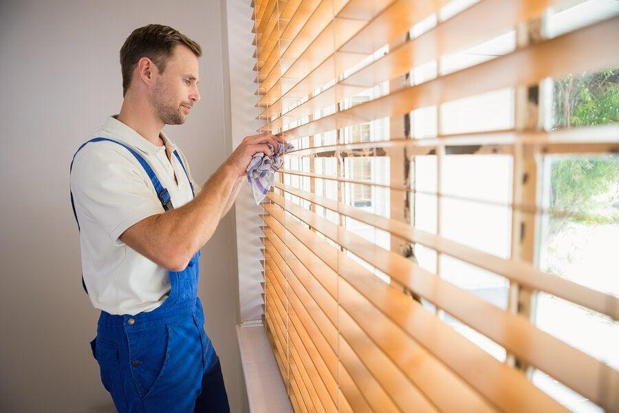 Consejos para limpiar persianas de aluminio, pvc y madera en Monterrey