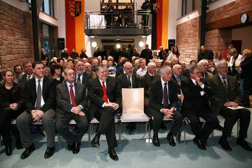 Einweihung des Dorfgemeinschaftshauses Erlenbach im November 2014.