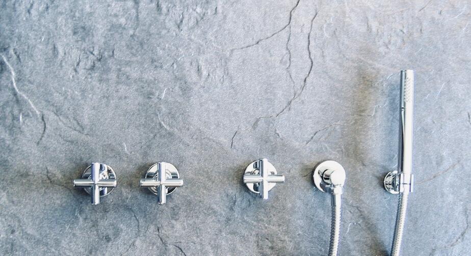 Design bad armaturen serie tavus taptrading for Badewannenarmatur unterputz