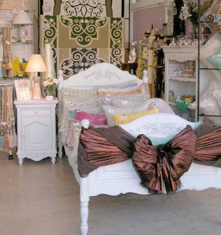 フランスの白い家具CountryCouner