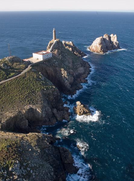 Far del Cap Vilán, Costa de la Mort, La Corunya, Galícia, primer far elèctric d'Espanya.